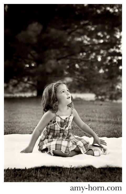 child portrait, outdoor child photography, simple child photograph, three year old portrait ideas, three year old girl photograph