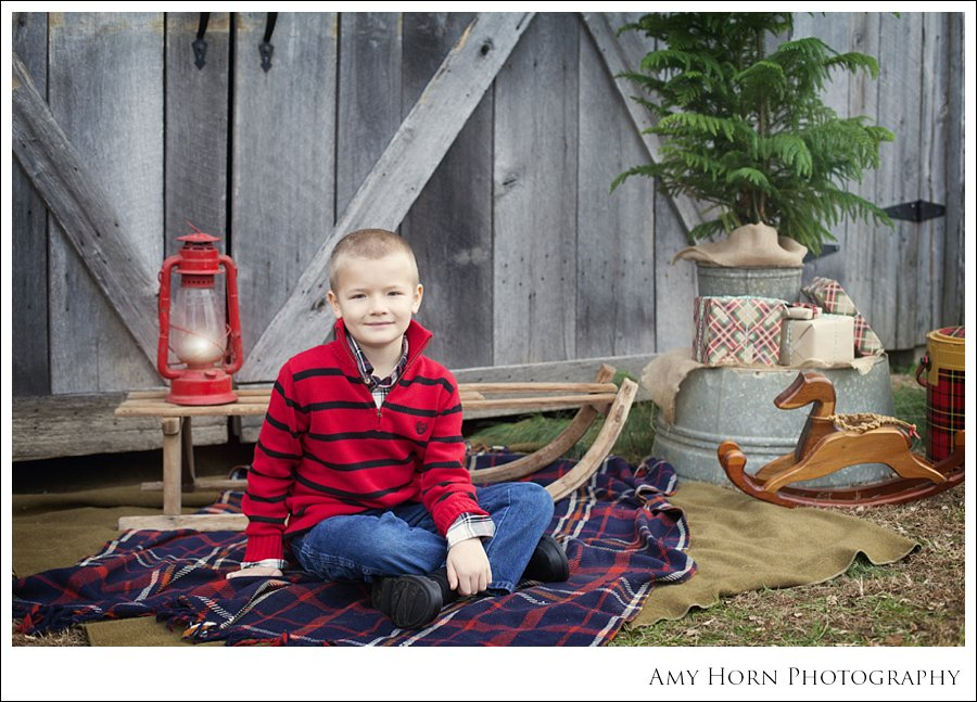 lawrenceburg indiana photographer, aurora indiana photographer, dillsboro indiana photographer, family portrait photographer, versailles indiana photographer, child portrait photographer, christmas portraits, christmas mini session, barn, amy horn, amy horn photography, styled session, vintage style session