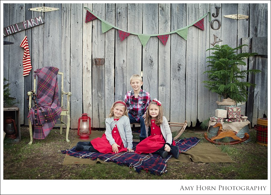 madison indiana photographer, madison photographer, family photographer, christmas mini session, christmas portrait, family photography, christmas card photographer, farm mini session, vintage christmas